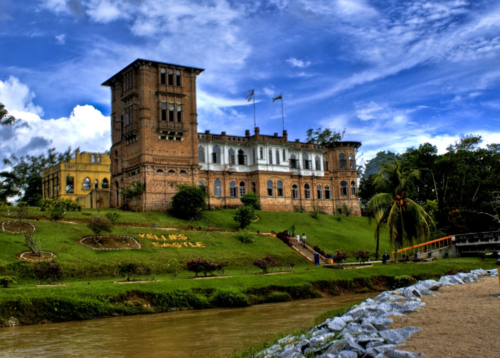 Kelly Castle, Malay