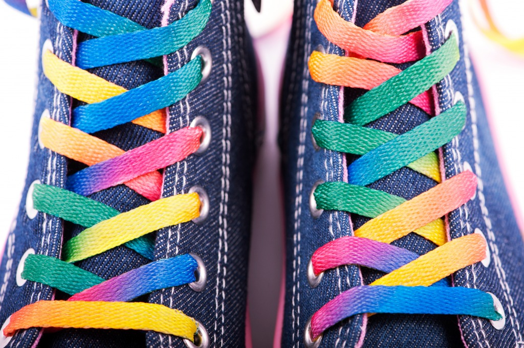 Sneakers with Colored Shoelac