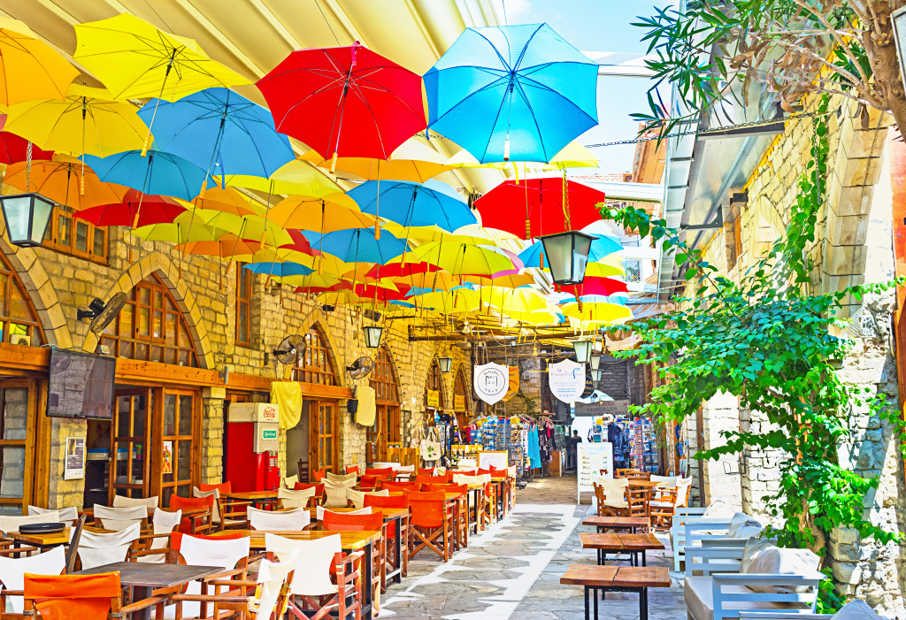 Street Cafe in Limassol, Cypr